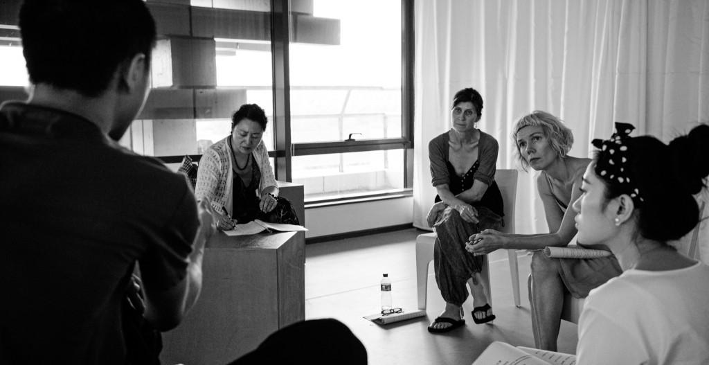 Hanne-Ørstavik剧本《在餐桌旁》演员朗读现场--1024x527